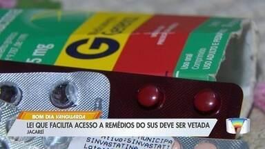 Lei aprovada em Jacareí prevê que pacientes da rede particular recebam remédios pelo SUS - Prefeito afirmou que vai vetar lei.