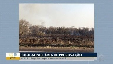 Incêndio atinge área de preservação em Teodoro Sampaio - Fogo foi em frente ao assentamento Paulo Freire.