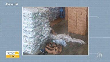 Polícia recupera carga de produtos de limpeza em galpão em Lauro de Freitas - Material encontrado é avaliado em meio milhão de reais.