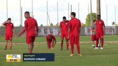 CRB trabalha no feriado estadual e intensifica preparação para encarar o Coritiba - Elenco regatiano está motivado para o jogo fora de casa