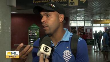 Após empatar com o São Paulo, elenco do CSA desembarca em Maceió - Time agora pensa no confronto com o Ceará, domingo, no Rei Pelé