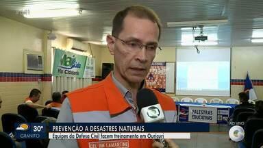 Equipes da Defesa Civil fazem treinamento em Ouricuri contra desastres naturais - A repórter, Aracelly Romão, conta porque a cidade do Sertão foi escolhida para o treinamento.