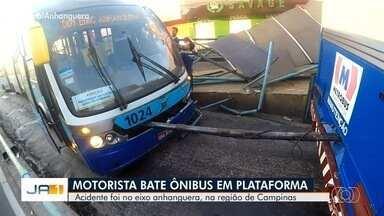 Ônibus do Eixo Anhanguera bate em plataforma, em Goiânia - Direção do veículo travou, motorista perdeu o controle e bateu na plataforma. Ninguém ficou ferido.