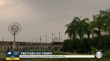 Veja a previsão do tempo para o Rio de Janeiro nesta quinta-feira (19) - O dia começa abafado e com nuvens, mas o sol deve aparecer. A temperatura máxima prevista é de 34ºC.