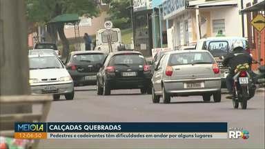 Moradores do Parque São Paulo enfrentam dificuldades com a falta de calçadas e sinalização - Moradores também reclamam da falta de faixa de pedestre.