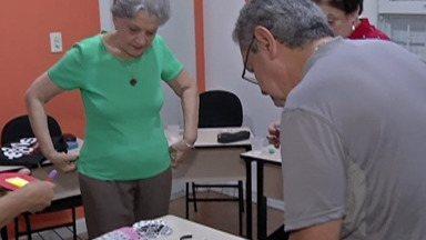 No Dia Mundial do Alzheimer, escola realiza curso de ginástica para o cérebro - A neurologista Marly Albuquerque explica quais partes do cérebro o Alzheimer afeta.