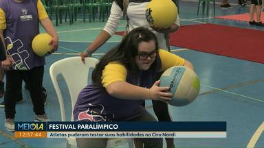 Festival Paralímpico reúne centenas de atletas em Cascavel - O Centro Esportivo Ciro Nardi ficou lotado para as disputas de três modalidades.