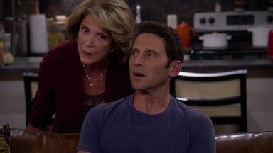 Altas Carnes - Josh implora a Andrew e Harry para participar do jogo, mas a intenção dele é descobrir o que há por trás do passeio. Contrariadas, Eve e Judy passam a noite juntas.