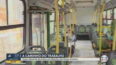 Quem depende de ônibus em Ribeirão das Neves reclama - Bom Dia Minas confere as reclamações de passageiros de duas linhas da cidade.