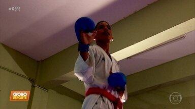 Jovem carateca do Recife ajuda família por meio da prática do esporte - Thulyo se prepara para disputar competição internacional, que vale vaga para o Mundial