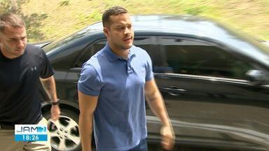 Preso suspeito de integrar esquema de corrupção, Adail Filho ficará detido em quartel - Prefeito de Coari foi preso durante operação que investiga esquema de corrupção.