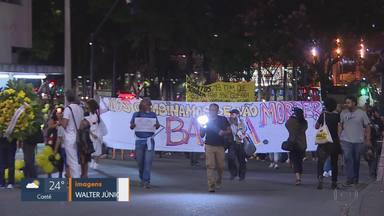 Ato na capital lembrou mortes de adolescentes e crianças - Manifestantes fizeram um ato em memória da menina Agatha Félix, de 8 anos, que morreu ao ser atingida por um tiro de fuzil, no Rio de Janeiro.