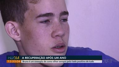 Após um ano, menino baleado dentro de colégio ainda se recupera - Bruno e a família são exemplos de como ver o lado positivo de tudo.