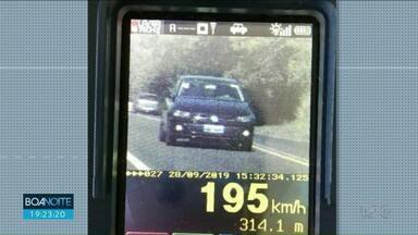 Radar flagra motorista a 195 km/h - Foi na PR-323. Neste trecho o limite da é de 100 km/h.