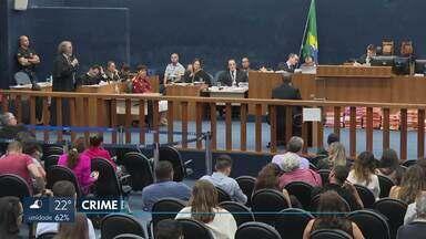 Julgamento de Adriana Villela chega ao 6º dia - Cinco testemunhas de defesa foram ouvidas neste sábado. A previsão do Ministério Público é de que Adriana Villela seja interrogada na segunda-feira (30).