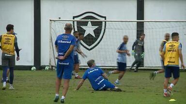 Dupla Gre-Nal se prepara para encarar adversários neste domingo pelo Brasileirão - Inter tem desfalques importantes como Guerrero e Moledo. Grêmio joga com os reservas.