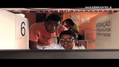 Vírus do Amor - Em uma lan house, Junior conhece Marcelinha enquanto procura uma solução para remover o vírus do computador. Marco tenta convencer Michelle de que é amigo do cantor Belo.