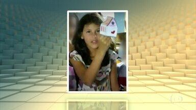 Polícia de São Paulo investiga morte de menina de 9 anos - Raíssa Caparelli estava com a família em uma festa em escola municipal quando desapareceu. Ela foi enterrada no início da tarde desta segunda-feira (30).