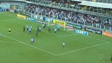 Com gols de Sánchez e Sasha, Santos derrota o CSA na Vila Belmiro - Peixe venceu por 2 a 0 e quebrou o jejum no Campeonato Brasileiro.