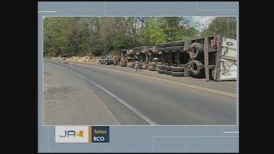 Três morrem em acidentes nas rodovias do Oeste; motorista embrigado foge de hospital - Três morrem em acidentes nas rodovias do Oeste; motorista embrigado foge de hospital