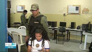 Polícia Militar realiza ação em escolas de Caruaru - Eles mostram como funciona o app Alerta Celular