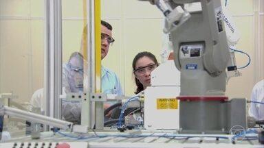 10 milhões de trabalhadores precisam se qualificar para as vagas do futuro na indústria - 3,3 milhões estão em São Paulo. Levantamento do Senai mostra que até 2023 a indústria vai precisar de profissionais mais preparados, principalmente, para a área de tecnologia.