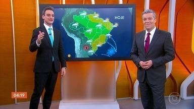 Calor predomina em boa parte do país nesta terça-feira - Meteorologia prevê chuva forte no Rio Grande do Sul.