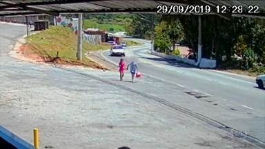 Polícia de São Paulo investiga morte de menina de 9 anos na Zona Norte - Corpo da criança foi encontrado em um parque e um menino de 12 anos é suspeito de ter cometido o crime. Ele já prestou depoimento e deve voltar à delegacia nesta terça (1º).