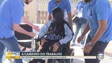 Bom Dia Minas acompanha cadeirante no metrô - Elevador da estação não estava funcionando.