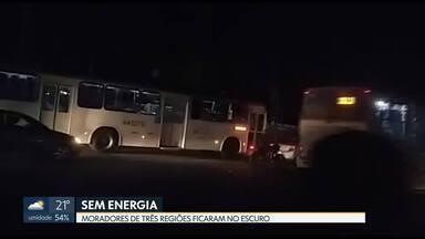 Transformador da CEB pega fogo e várias casas ficam sem energia no DF - O fornecimento foi interrompido em Ceilândia, Brazlândia e Taguatinga.