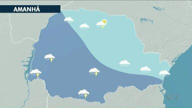 Frente fria avança pelo Paraná nesta quinta-feira - Há risco de temporais por causa do calorão que faz em grande parte do Estado.