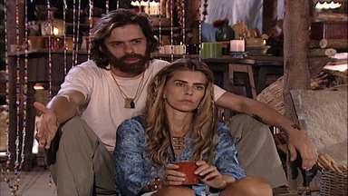 Capítulo de 17/03/2001 - Dominique conhece Michael. Daniel vibra ao saber que Tony e Vanessa terminaram. Vanessa diz a Tony que está grávida.