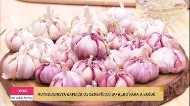 Conheça os benefícios do alho e aprenda a cultivá-lo - A nutricionista Mariana Ferri e o engenheiro florestal Murilo Soares falam tudo sobre o mundo do alho e suas diversas espécies