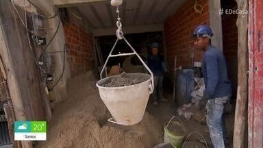 População se organiza para construir coletivamente suas próprias casas - Em Heliópolis, São Paulo, as famílias se reúnem para comprar o terreno e os próprios moradores trabalham na construção