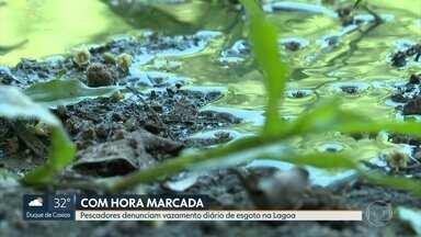 Pescadores denunciam vazamento de esgoto 'com hora marcada' na Lagoa Rodrigo de Freitas - Pescadores e moradores da região denunciam vazamento diário de esgoto na Lagoa Rodrigo de Freitas.