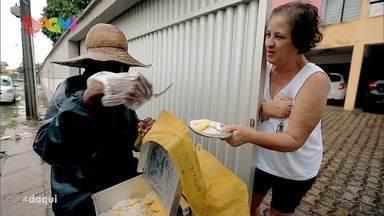 Daqui reapresenta as histórias dos pregoeiros do Maranhão - Programa deste sábado também mostrou mais uma vez uma deliciosa receita de macarrão vegado de cenoura com cogumelos salteados ao alho poró feito pela jornalista e cantora Cecília Leite.