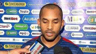 Em boa fase, Edinho quer manter boa atuação diante do São Paulo - Acompanhe na reportagem de Lucas Catrib