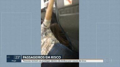Passageiros de um ônibus vivem momentos de terror por causa de tiroteio em Cordovil - A Polícia Militar informou que fazia uma operação na Cidade Alta e apreendeu armas e drogas. Cinco pessoas foram presas.