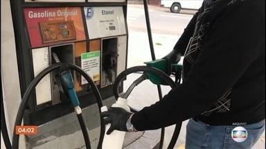 Mais de cinco mil bombas de combustíveis em SP têm irregularidades, diz Ipem - Mais de seis mil postos foram fiscalizados em todo o estado. Entre as irregularidades está na contagem dos litros que entram nos veículos.