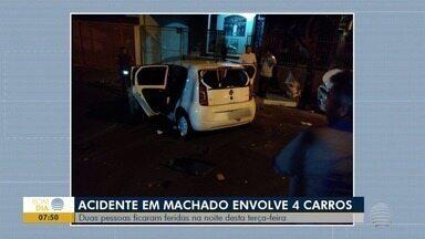 Cinco veículos se envolvem em acidente em Álvares Machado - Duas pessoas sofreram ferimentos de natureza leve.