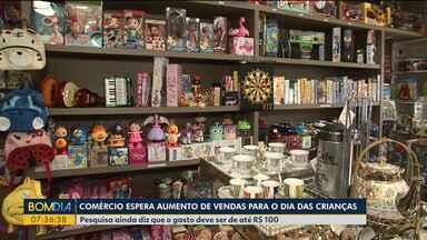 Pesquisa indica que o gasto no dia das Crianças deve ser de até R$ 100 - O comércio aguarda aumento de clientes até sábado.