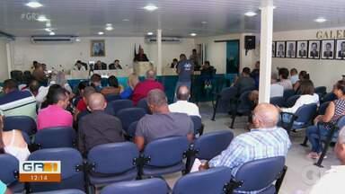 Processo que pede impeachment do prefeito de Camaragibe é acompanhado por moradores - Até o dia 30 de novembro, a câmara decide se afasta definitivamente o prefeito ou se arquiva o processo.