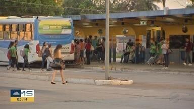 Transporte coletivo de Campo Grande: Volta de imposto e reforma de terminais - Usuários falam sobre a situação do transporte coletivo.