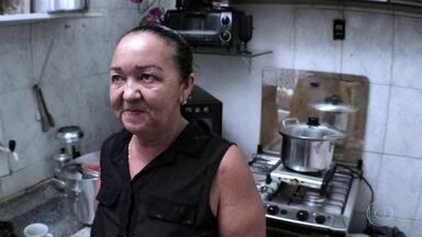 Censo da Maré: maioria das casas do conjunto de favelas é própria ou quitada - Um em cada quatro moradores nasceu no Nordeste. Esses e outros fatos revelados pelo levantamento são tema de série de reportagens especiais do RJ2.