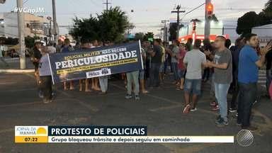 Policiais protestam em Feira; comandante da PM comenta reivindicações da categoria - Agentes fizeram uma manifestação nas ruas de Feira de Santana, no fim da tarde de quarta-feira (9).
