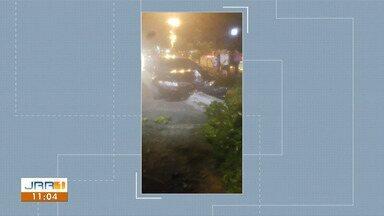 Carro derruba árvore durante acidente em avenida de Boa Vista - Grave acidente ocorreu na noite de terça (8) na Avenida Ville Roy.