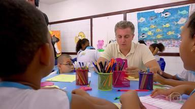 Luciano vai a Madre de Deus(BA) para homenagear crianças e professores de escola pública - Confira o 'Árvore dos Desejos' especial em comemoração do dia das Crianças e do dia do Professor