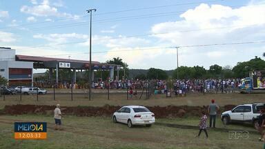 Manifestantes protestam contra preço do pedágio de Jataizinho - Por lá, a tarifa para carros é R$ 23,70, a mais cara do estado.