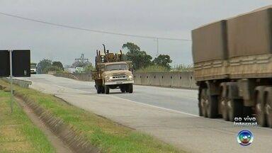 Rodovias da região de Itapetininga estão em obras - Várias rodovias da região de Itapetininga (SP) estão em obras e os motoristas precisam redobrar a atenção.