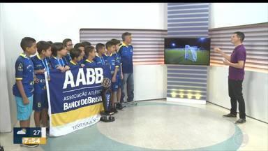 Garotos campeões da Taça Clube Sub 11 visitam os estúdios da TV Clube - Garotos campeões da Taça Clube Sub 11 visitam os estúdios da TV Clube